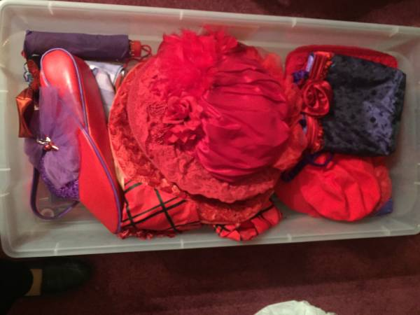 Photo Red Hat Club Accesories - $50 (South Salinas)