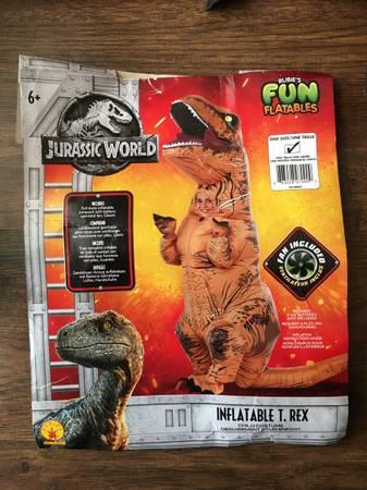 Photo T-Rex Dinosaur Halloween Costume - $20 (Salinas)