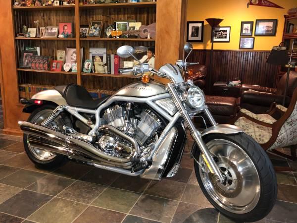 Photo 2002 (1stYear) Harley V-Rod - $7,000 (Birmingham)