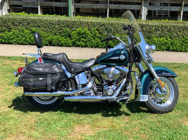 Photo 2002 HERITAGE SOFTAIL CLASSIC - $12,000 (Valley)