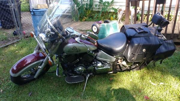 Photo 2002 Yamaha VSTAR 650 - $2,500 (Opelika)