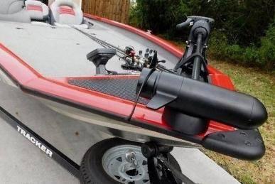 Photo 2015 Bass Tracker 19ft Aluminum Jon Boat And Trailer - $1,400