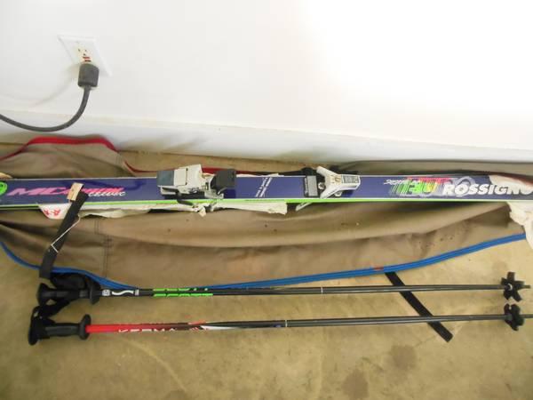 Photo 2 Snow Ski and 2 Ski poles - $75 (Dothan)