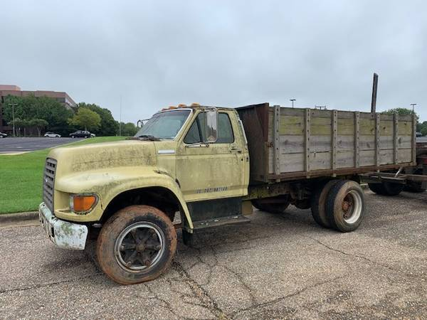 Photo 95 Ford F700 Stake Bed - $7,000 (Montgomery)