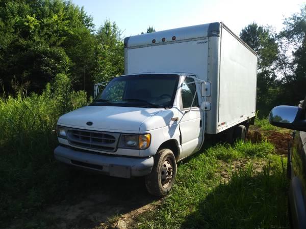Photo 99 Ford e450 moving van,box truck. - $5000 (Montgomery)