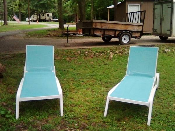 Photo Aqua blue mesh lounge chairs (2) - $80 (Lakeview Park)
