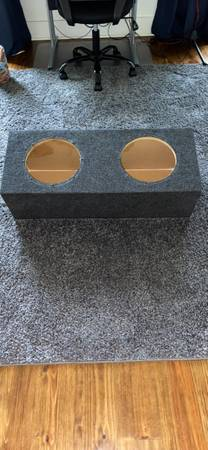Photo Custom sealed sub box for 2 10 subs - $40 (Montgomery)