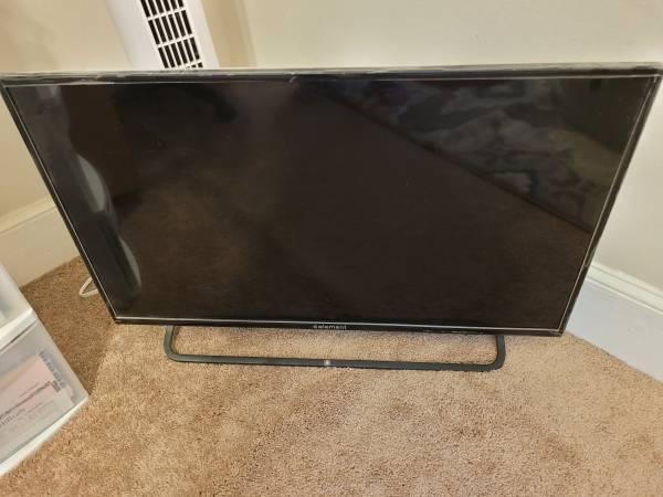 Photo ELEMENT 32quot TV - $50 (Columbus, Ga)