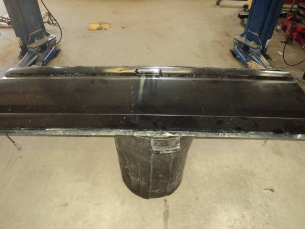Photo FORD F150-F350 TAIL GATE 1987-1996 - $150 (TROY)