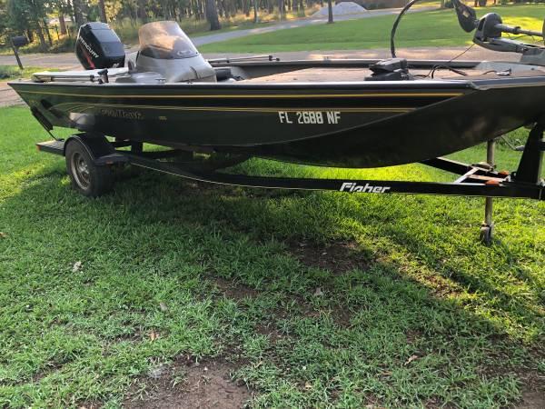 Photo Fisher Pro Hawk 170 Bass Boat - $10,200 (Selma)