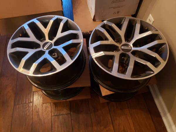 Photo Ford OEM Raptor 6 lug wheels F150 - $425 (Prattville)