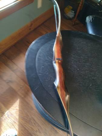 Photo Martin recurve bow 60 lb - $350 (Cottondale)