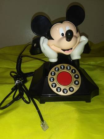 Photo Mickey Mouse Vintage Phone - $75 (Dothan)