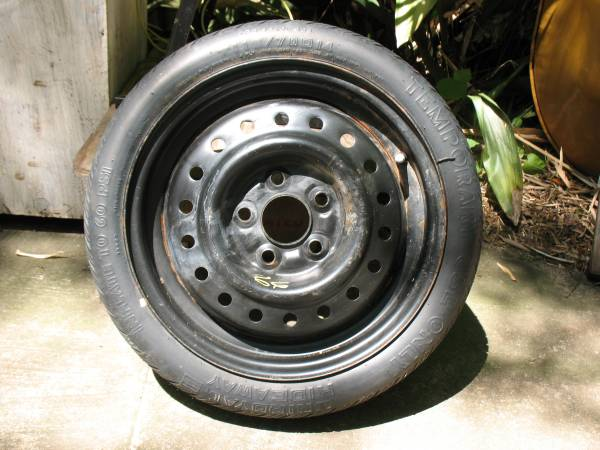 Photo Spare tire  jack - $50 (Cottage Hill)