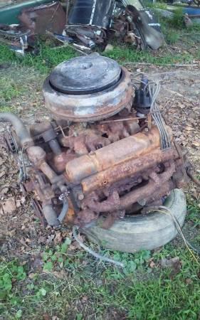 Photo 1954 buick nailhead motor - $225 (FAIRMONT)