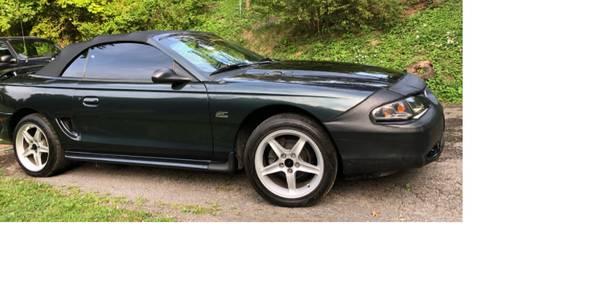 Photo 1998 Ford Mustang GT Convertible - $6,250 (Morgantown)