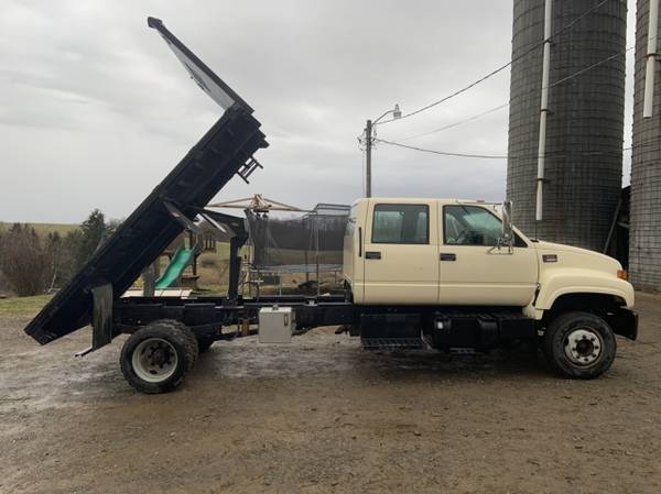 Photo 2001 GMC 6500 - Flatbed Dump, Crew Cab, Only 84,000 Miles - $28500 (Gladesville, WV)