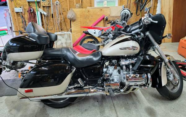 Photo 2001 Honda Valkyrie Interstate GL1500CF Motorcycle - $5,900 (Imperial - Airport Area)