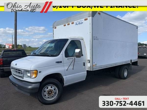 Photo 2002 Ford Econoline Commercial Cutaway Standard 16 FT Box Truck V10 Cl - $10000 (Easy Financing - (330) 752-4461)