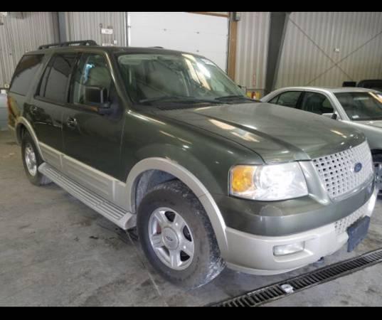 Photo 2005 Ford Expedition. KEYS FOUND - $4,500 (Masontown, WV)