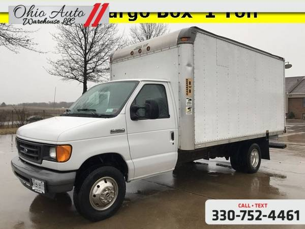 Photo 2007 Ford Econoline Commercial Cutaway Base E350 13FT Box 1Ton V8 We F - $10000 (Easy Financing - (330) 752-4461)