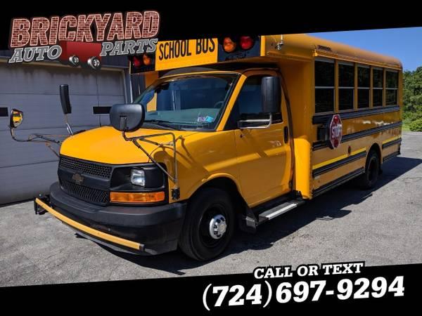 Photo 2017 Chevrolet Express Commercial Cutaway 4500 Van 159quot - $13999 (Darington)