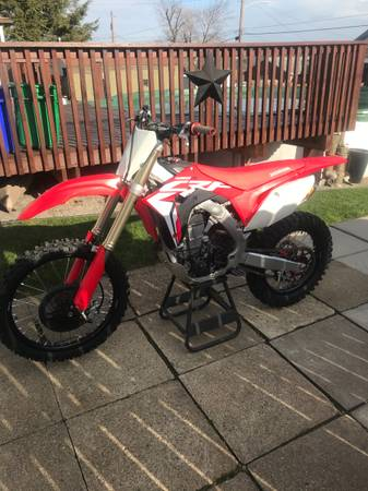 Photo 2017 Honda CRF 450R - $5,000 (Natrona Heights)