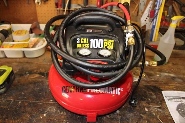 Photo 3 Gallon Donut 13 HP,100PSI compressor - $90 (McCandless Twp)