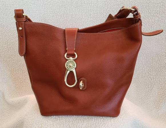 Photo Dooney and Bourke purse - $100 (Morgantown Cheat Lake)