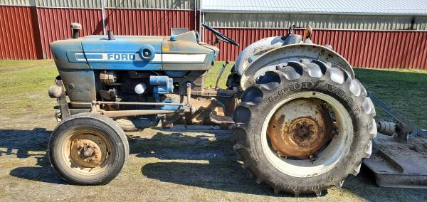 Photo Ford 2600 Tractor With Brush Hog - $5,900 (Apollo)