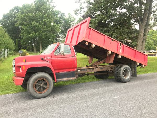 Photo Ford F700 Flat Bed Contractor Dump NON-CDL REDUCED - $5,995 (Somerset, PA.)