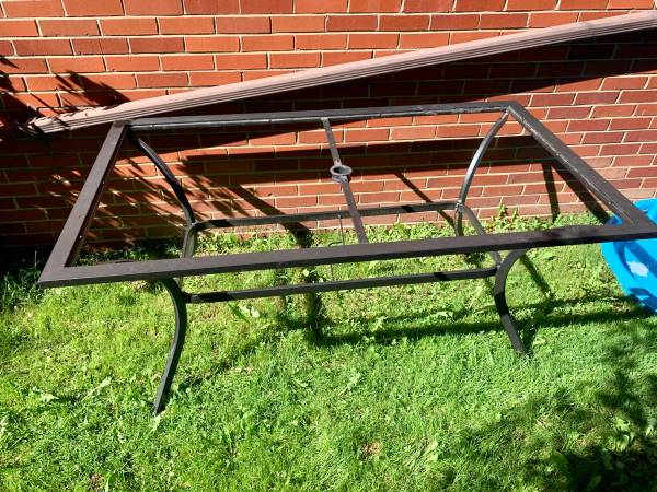 Photo Free Patio Table  needs glass or acrylic top