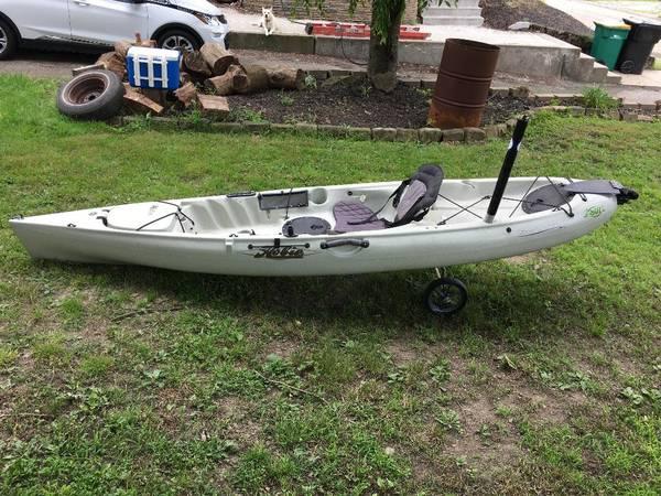 Photo Hobie Revolution 11 Fishing Kayak - $2,900 (Pittsburgh)