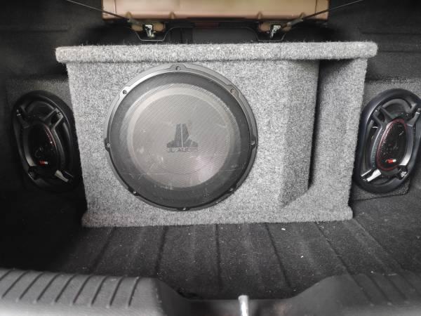 Photo JL Audio 12W1v2-4 Subwoofer - $300 (Weston)