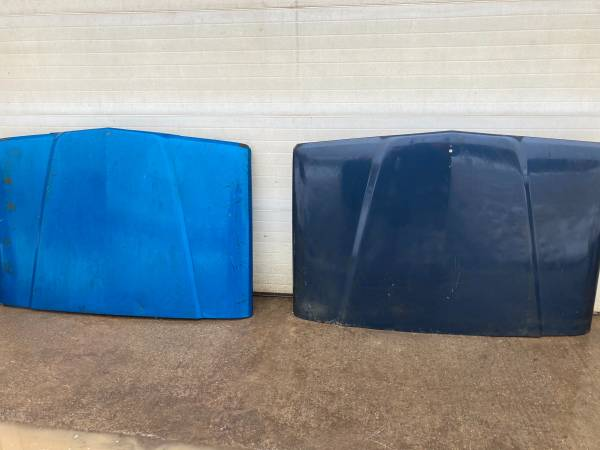 Photo Jeep J20 hoods and fender (Morgantown)