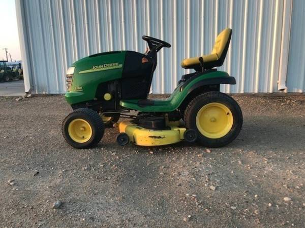 Photo John Deere L130 Garden Tractor - $1000 (Fairmont)