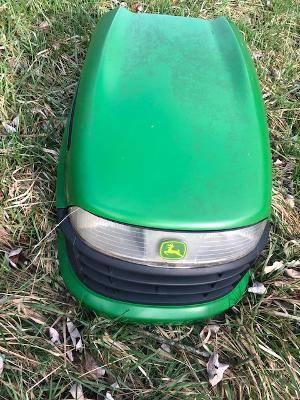 Photo John Deere Lawn Tractor Hood - $50 (Weston)