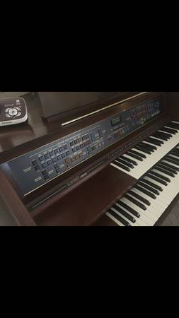 Photo Lowrey Jamboree Organ in almost new condition - $100 (Hopwood)
