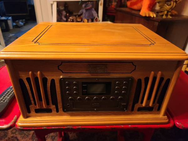 Photo SPIRIT OF ST. LOUIS4 IN 1 AMFM RADIO, CD, TAPE AND RECORD - $100 (Morgantown)