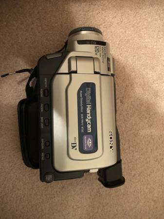 Photo Sony DCR-TRV17 Mini DV Digital Handycam Camcorder. USED ONCE  - $130 (Lower Burrell)