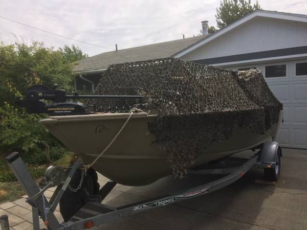 Photo 16 ft. LUND 2006 w Camo DuckGoose Blind - $10,000 (Moses Lake, WA)