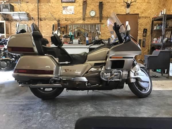 Photo 1988 Honda Goldwing GL 1500 - $3,500 (Spokane)