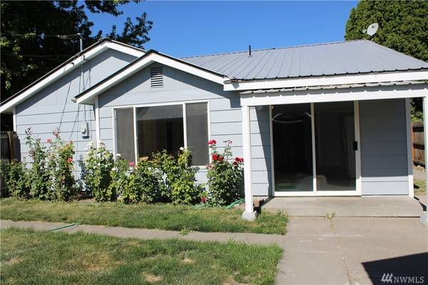 Photo 3 Bed 3 Bath Move-In Ready (Oroville, WA)