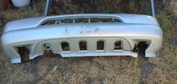 Photo Mercedes ML320 front bumper (Wenatchee)