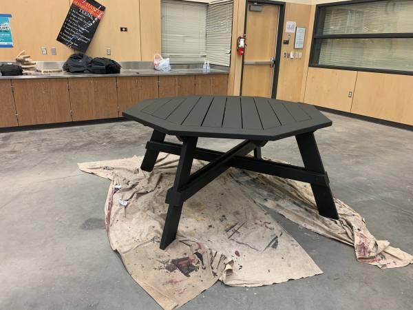 Photo Picnic table - $450 (Moseslake)