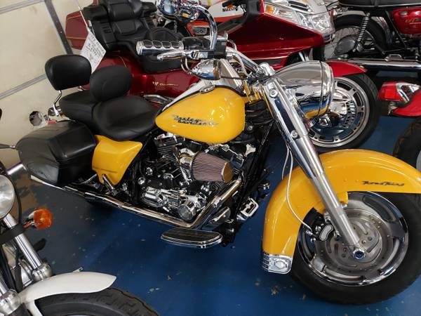 Photo 2007 HARLEY-DAVIDSON FLHRS ROAD KING CUSTOM - $7,499 (Williams Vintage Cycle - Xenia, OH)
