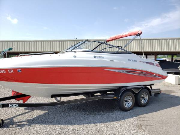 Photo 2008 Yamaha SX230 twin engine jet boat - $25,500 (Fort Wayne)