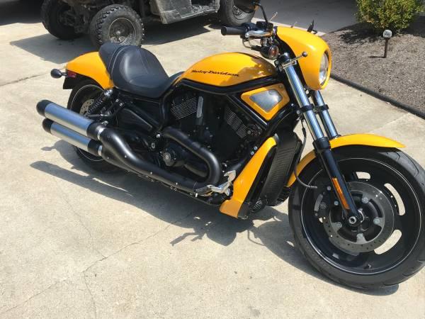 Photo 2011 Harley Davidson Night Rod - $8,500 (Mooreland IN)