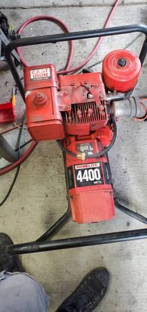 Photo Homelite 4400 watt generator - $200 (Anderson)