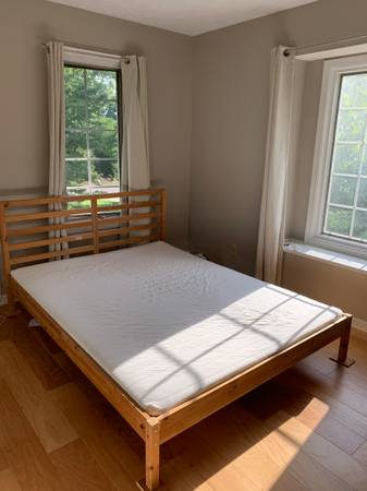 Photo IKEA Queen Size Bed for sale - $145 (Muncie)